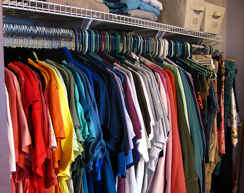How to organize your closet fashionably confident for How to color organize your closet